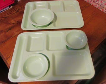 Two Vintage Melmac Texasware Trays and Three Matching Bowls