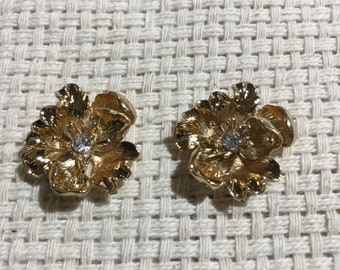 Top Quality Gold Flat Back Flowers ( Set of 2 ) Embellishments, Collages, Earring Making, Junk Journals Scrapbooking