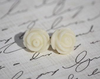 SALE - Mini Vintage Ivory Rose Earrings - Bridesmaid Earrings - Ivory Wedding - Cream Rose Earrings - Roses Earrings - Ivory Wedding