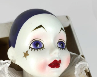 Vintage Pierrot 1979 15 in Clown Madame Verte Design