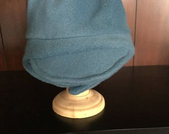 Child's fleece hat with visor