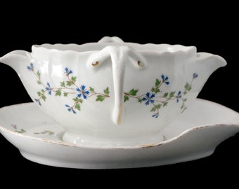 Antique French Porcelain Gravy Boat and Saucer. Separates fat from lean (Saucière gras et maigre in French), late 19th century.