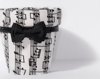 Music themed clay pot, musica Maestro!