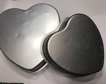 Set of 2 Heart Baking Pans, 6 and 8 inch