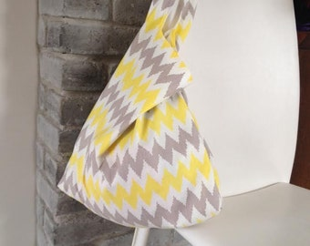 folding tote bag, reusable tote bag, market bag, shopping bag, grocery bag, shoulder bag in yellow and gray cotton with geometric print