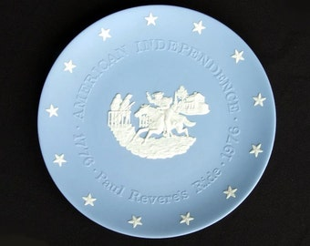 Paul Revere's Ride.  Wedgwood Bicentennial Commerative Plate.  Circa 1976.