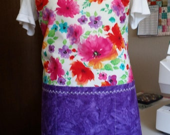 Bright floral adjustable apron with large purple pockets