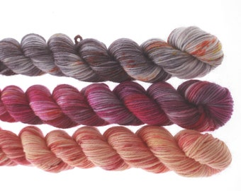 3 Mini skeins - CHIT CHAT   tot 60g           816