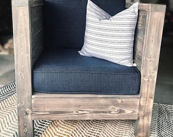 Club Chair//Patio furniture//Outdoor furniture//