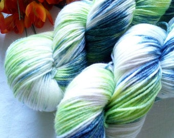 100g hand dyed merino wool with bamboo color 111