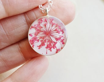 Queen Anne's Lace Necklace, Pink Botanical Necklace, Bridal Jewelry, Real Flower Necklace, Pressed Flower Necklace, Resin Jewelry