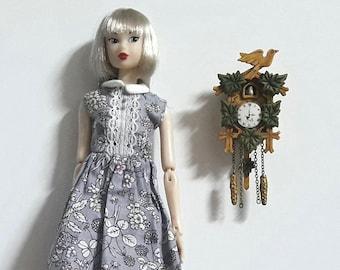 1/6 Cuckoo clock