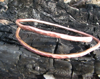 simple hammered copper bangle