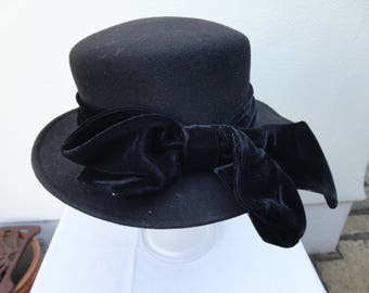 Vintage black felt and velour formal hat 56cm. Immaculate condition