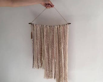 Free flowing wall hanging