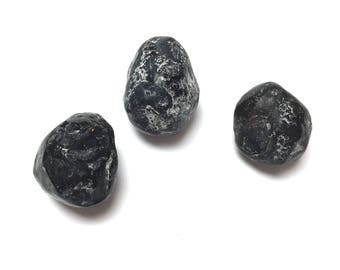 Tumbled Apache Tears Obsidian. Undrilled Gemstone. Reiki Stone. Matrix Stone. Wicca. Wire Wrapping Stone. 20mm - 25mm. One (1)