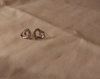 Sparkly heart earrings with imitation diamonds