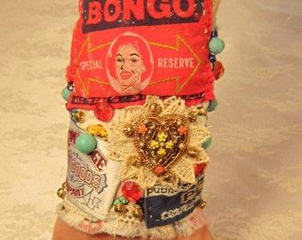 Bongo rouge OOAK fibre Bracelet manchette