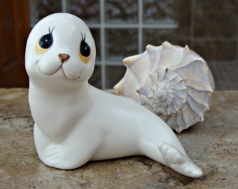 Vintage / White Seal / Figurine / By Oxford / Made In Mexico