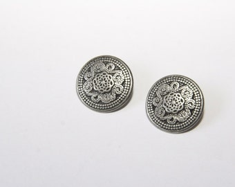 5 Piece metal buttons with ornament MK001