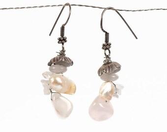 rose quartz earrings, rose earrings, quartz earrings rose quartz, white pearl earrings, silver earrings, silver ear hooks, bridal earrings