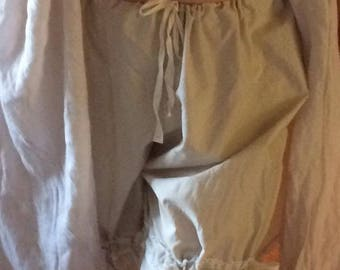 Pure cotton in pale shades, ladies bloomers