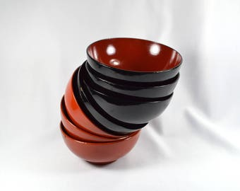 Vintage Lacquered Wood Bowls, Japanese Rice Bowls, Black and Red 529