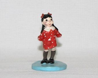 Vintage 1958 Napco Lulu Valentine Figurine - I LOVE U