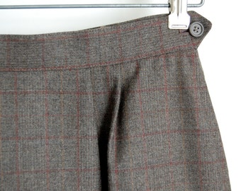 vintage Wool Skirt / Peabody House midi skirt / Charcoal grey windowpane Plaid / front pleats / 26 3/4 high waist / midi skirt m