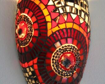 Red gemozaïekte Wall lamp