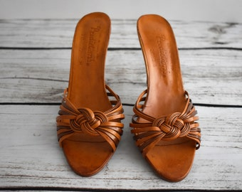 "Size 7 Women's 1970's Vintage Leather Sandles with a 3.5"" Heel 