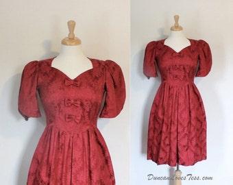 SALE / FINAL SALE / Vintage dress / 80s Dress / 80s Vintage Dress / Lanz Dress / Damask Dress / Red / Party Dress / Cotton / Size Small