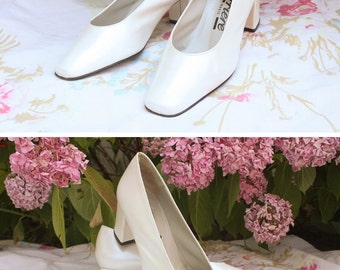 """Pumps/shoes, vintage leather, white, made in Spain, """"Career"""" brand, size 36, wedding / party / ceremony"""