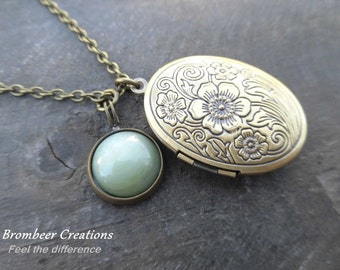 vintage medallion with mint stone