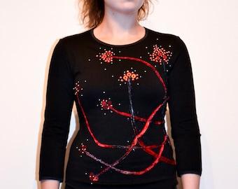 Schwarzes Top t-Shirt Ärmel 3/4 Trikot Hand Strauß Blumen Perlen Pailletten Glitzer Wendungen monochrome Farbtöne von rotem Samt bestickt Lycra Größe M