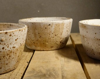 Set of 3 ceramic bowls, white speckled, wheelthrown, rustic