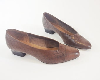 Brown Leather Pumps by Picassos | 1970s 1980s Vintage Square Heels | Size 7.5