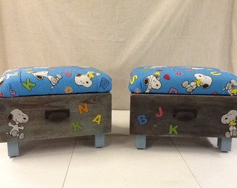 Snoopy storage bench drawers