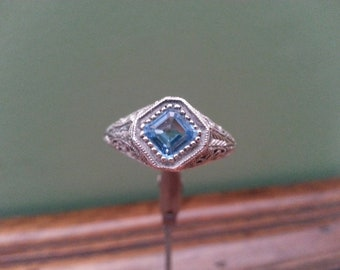Vintage Blue Spinel and Sterling Silver Ring - Size 8 1/2