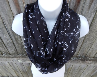 Black and White Music Note Infinity Scarf