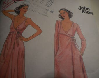 Vintage 1970's Butterick 5705 John Kloss Gown and Robe Sewing Pattern Size 14 Bust 36