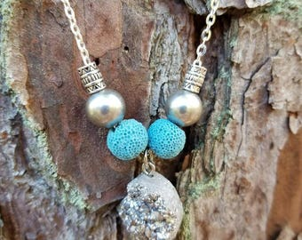 Rough cut Silver Druzy and Freshwater Pearls Essential Oil Diffuser Necklace
