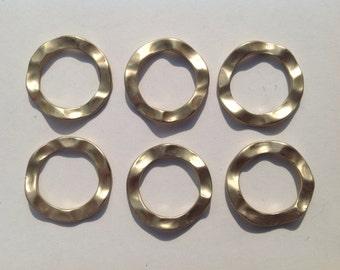 6 gold wavy circular links - no pre drilled holes