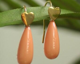 Coral Pearl Heart Teardrop Earrings - Bridesmaid Coral Shell Pearl Earrings - Sterling Silver Heart Earrings - Pink Salmon Color - ES1