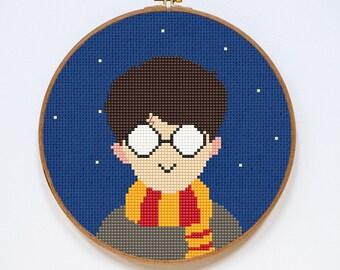 Harry Potter Cross Stitch Pattern, Hogwarts Modern Cross Stitch Chart, Gryffindor, PDF Format, Instant Download
