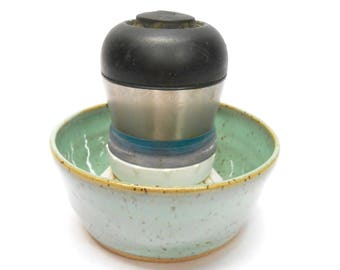 Pottery Kitchen Brush Holder Ceramic Kitchen Brush Holder Pottery Dish Brush Holder with Drainage Hole in Speckled Turquoise