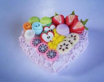 Miniature Cake Heart 1:12 - Series 2 - 006