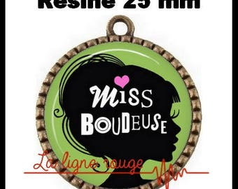 Brass toned Cabochon resin 25 mm - Miss Sulky (2406)