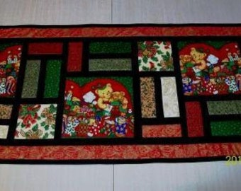 Stained Glass Christmas Table runner Pattern by Sew4Fun Australia