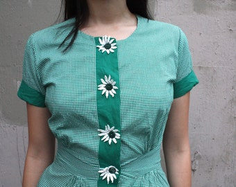 Vintage 1950s Dress // 50s Green and White Gingham Cotton Day Dress with Daisy Buttons // Summer Picnic Sun Dress